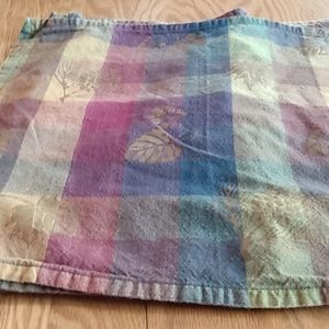 4  cloth napkins